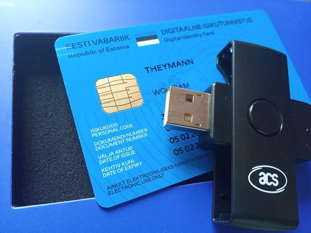 E-Residency-Card aus Estland und Lesegerät