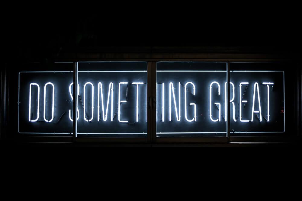 """Licht-Schriftzug """"Do something great"""""""